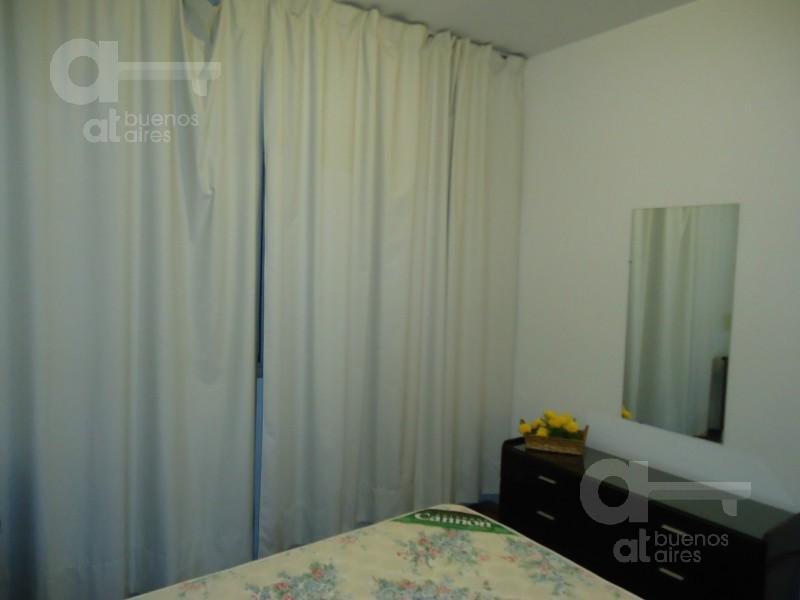 Foto Departamento en Alquiler temporario en  San Nicolas,  Centro  Montevideo al 200, e/ Sarmiento y Juan D Perón