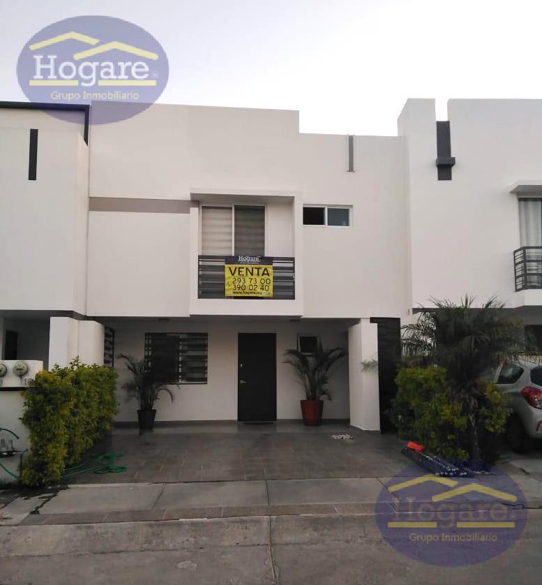 Casa Venta 3 recámaras con estudio y terreno excedente privada Portón del Valle León Gto