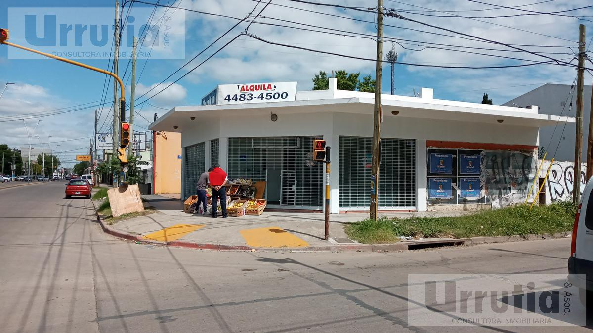 Foto Local en Alquiler en  Moreno ,  G.B.A. Zona Oeste  Av. Victorica 500