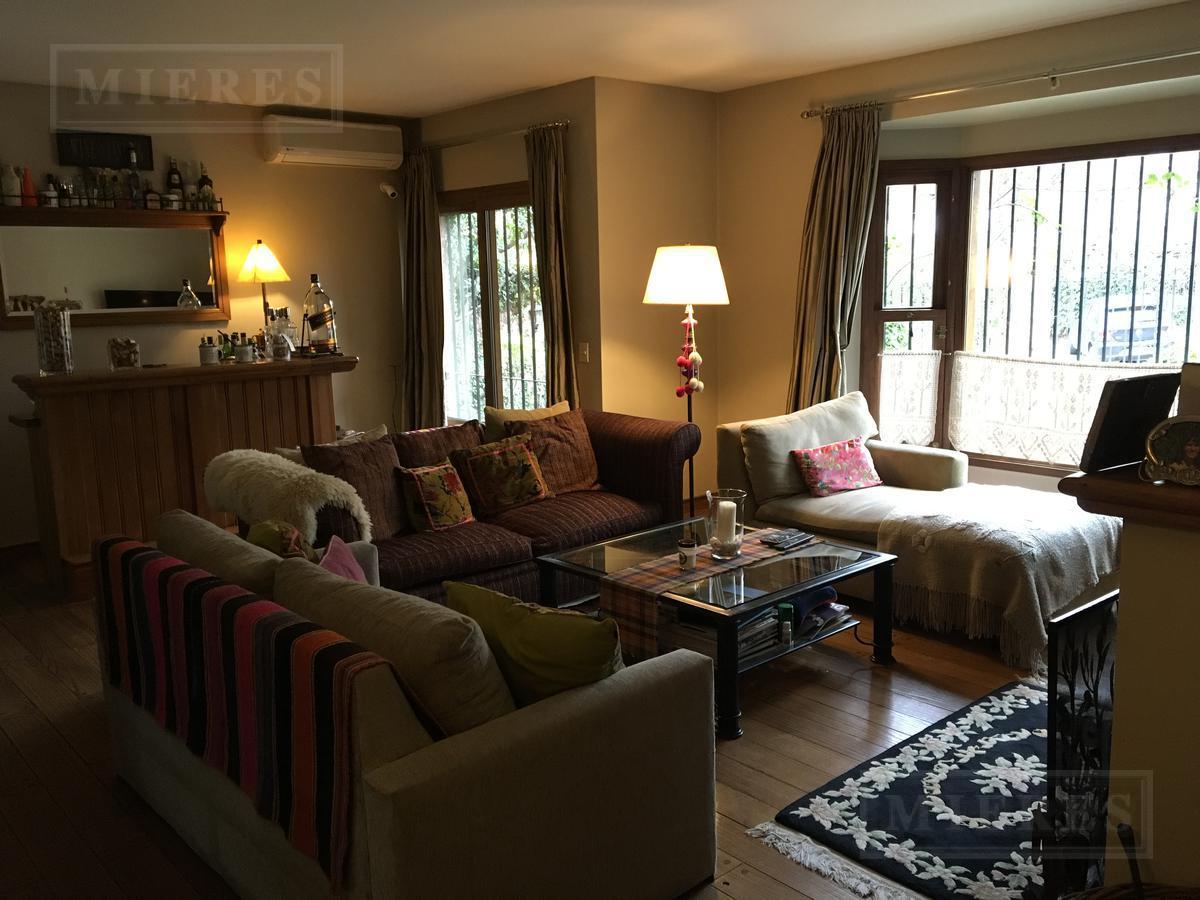 Excelente casa en venta en Lomas-Jockey