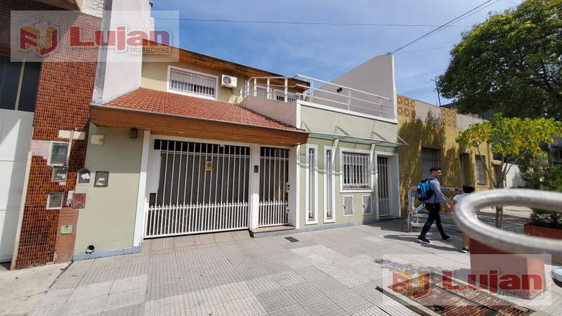 Foto Casa en Venta en  Mataderos ,  Capital Federal  Murguiondo 1300, 4 amb + depto de 2 amb,  con oficina ideal home office, cochera, terrazas.