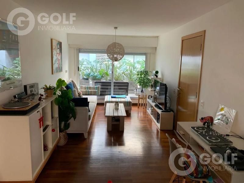 Foto Departamento en Alquiler en  Punta Carretas ,  Montevideo  Apartamento de 1 dormitorio con garaje próximo al Golf