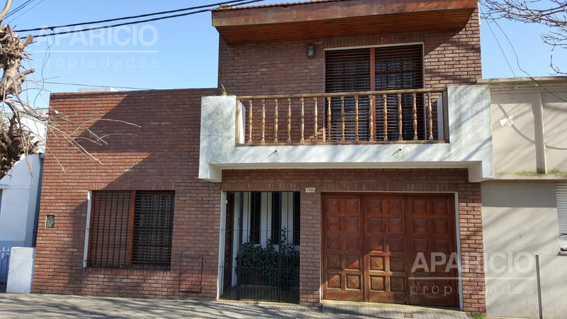 Foto Casa en Venta en  La Plata ,  G.B.A. Zona Sur  67 entre 26 y 27