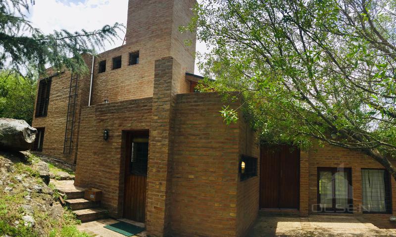 Foto Casa en Venta en  Tanti,  Punilla  No lo Dejes Pasar -Hermosa Casa Tanti - Pileta -3000 MTS - Excelentes Comodidades! Siquiman