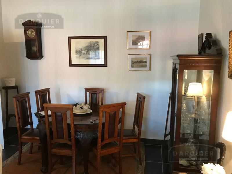 Foto Casa en Venta en  Adrogue,  Almirante Brown  COMODORO PY 566