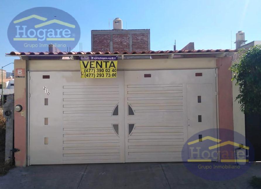 Casa Venta una planta 2 recámaras Los Murales León Gto