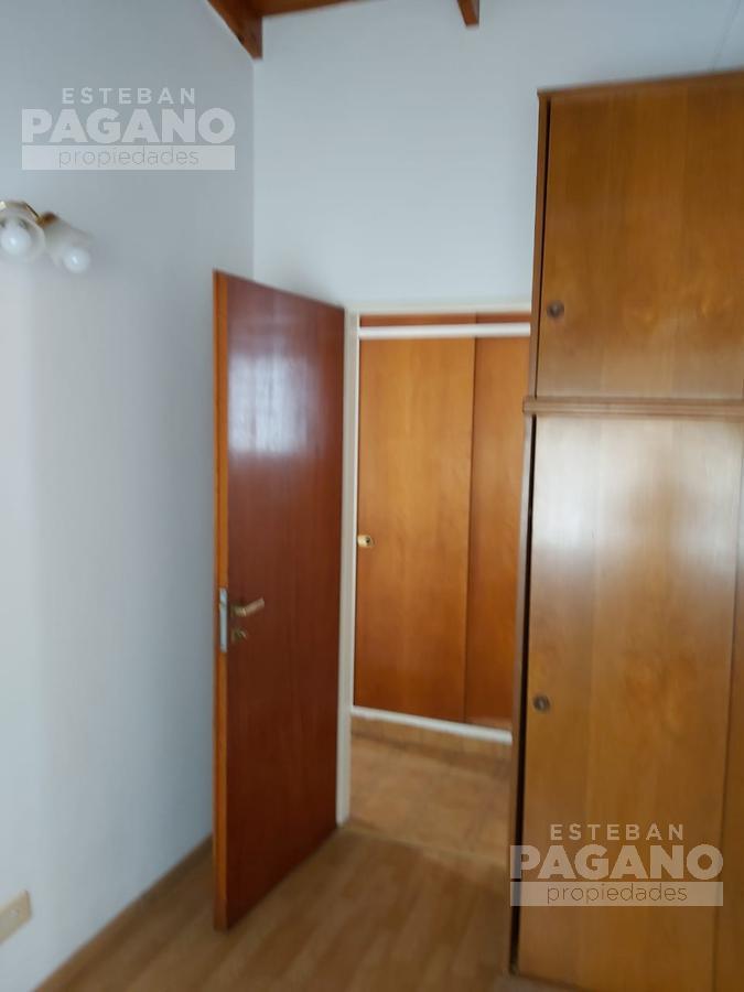 Foto Departamento en Alquiler en  La Plata,  La Plata  48 e 24 y 25