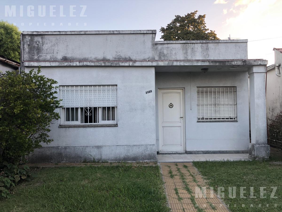 Foto Casa en Venta en  Lanús ,  G.B.A. Zona Sur  CASA VENTA LANUS ACEVEDO 3933