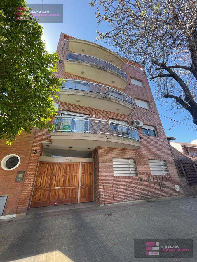 Foto Departamento en Venta en  La Plata ,  G.B.A. Zona Sur  4 68 y 69