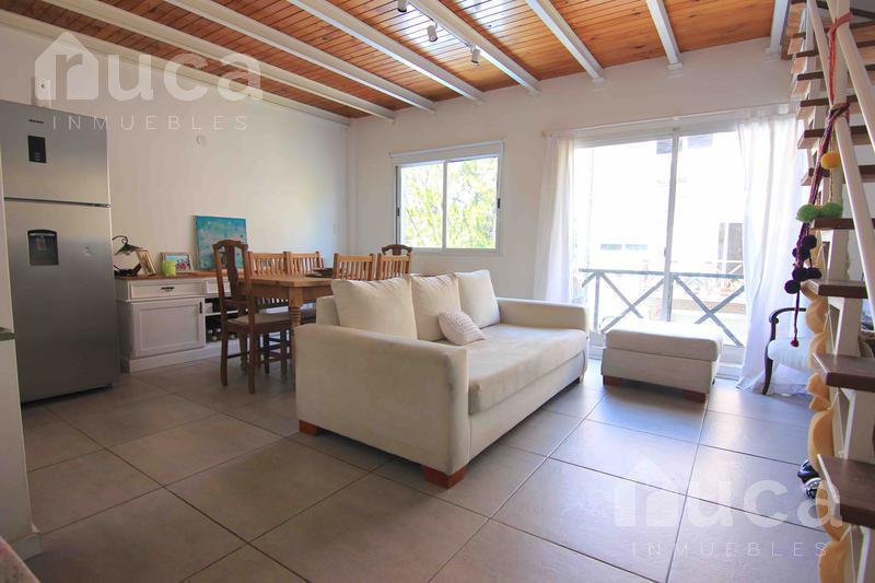 Foto Departamento en Venta en  San Isidro ,  G.B.A. Zona Norte  Amplio y luminoso departamento en dos plantas en La Calabria | Diego Palma al 300