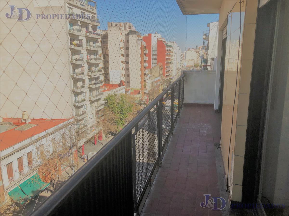 Foto Departamento en Venta en  Balvanera ,  Capital Federal  Avda. Belgrano 2900