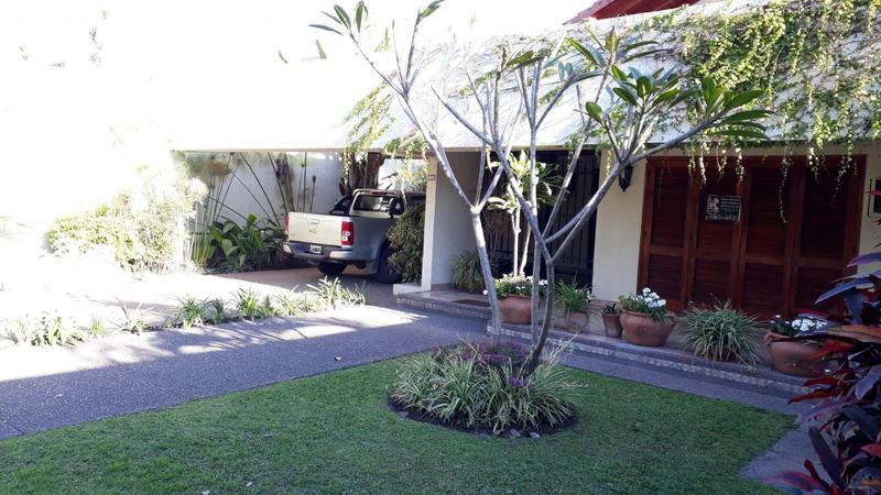 Foto Casa en Venta en  San Miguel De Tucumán,  Capital  Avenida Mate de Luna 3100