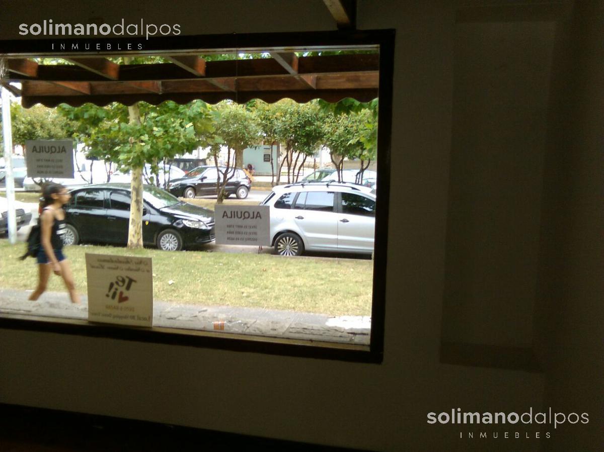 Foto Local en Venta en  Miramar ,  Costa Atlantica  Av Bme. Mitre y Congreso eucaristico de la Ciudad de Miramar
