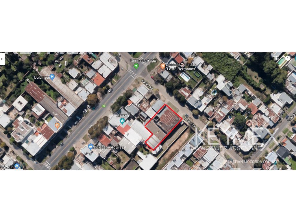 Foto Galpón en Venta en  Los Hornos,  La Plata  134 entre 66 y 67