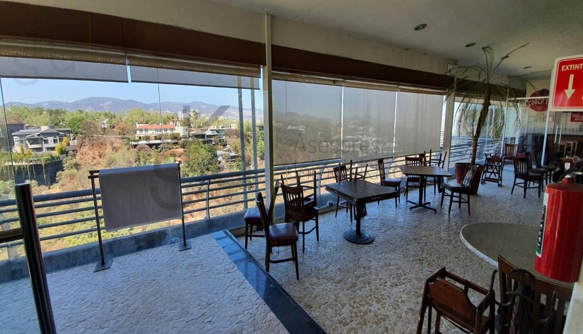 Foto Local en Renta en  Bosques de las Lomas,  Cuajimalpa de Morelos  SKG Renta Local con Traspaso en Prolg. Paseo de los Laureles, Bosques de las Lomas, adecuado para Restaurante