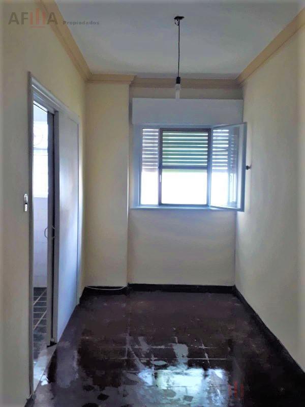Foto Apartamento en Alquiler en  Centro (Montevideo),  Montevideo  Av. Libertador al 1600