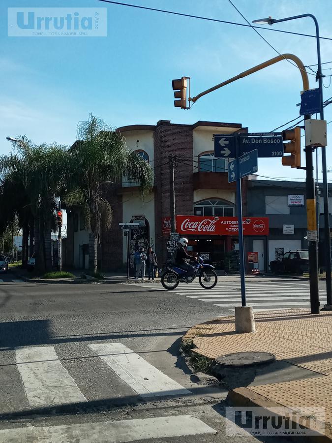Foto Edificio Comercial en Venta en  Moron Sur,  Moron  Av. Don Bosco al 2199