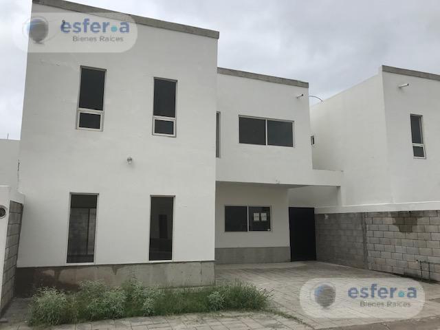 Foto Casa en Venta en  Gómez Palacio ,  Durango  casa en venta en cedros II gomez palacio