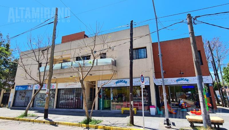 Foto Local en Venta en  Villa Ballester,  General San Martin  República al 4600 esquina Pueyrredón