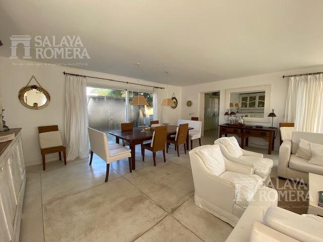 Foto Casa en Venta en  Península,  Punta del Este  Espectacular Casa 4 dormitorios 5 baños y Terraza panoramica en Punta del Este