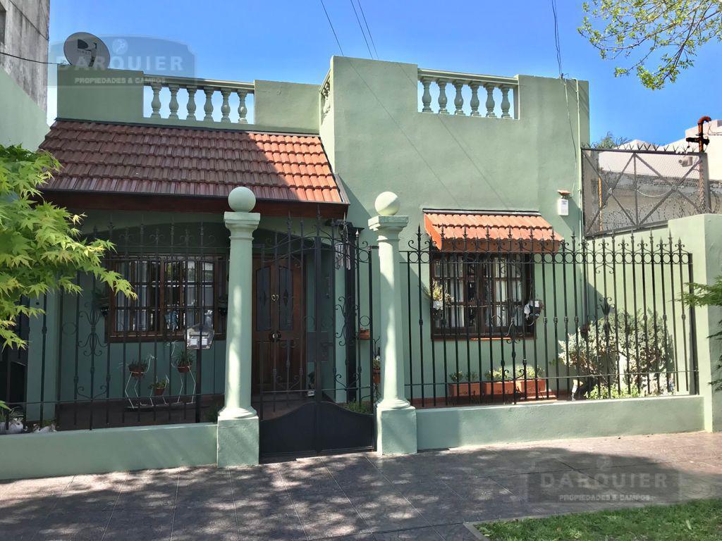 Foto Casa en Venta en  Adrogue,  Almirante Brown  JORGE 390