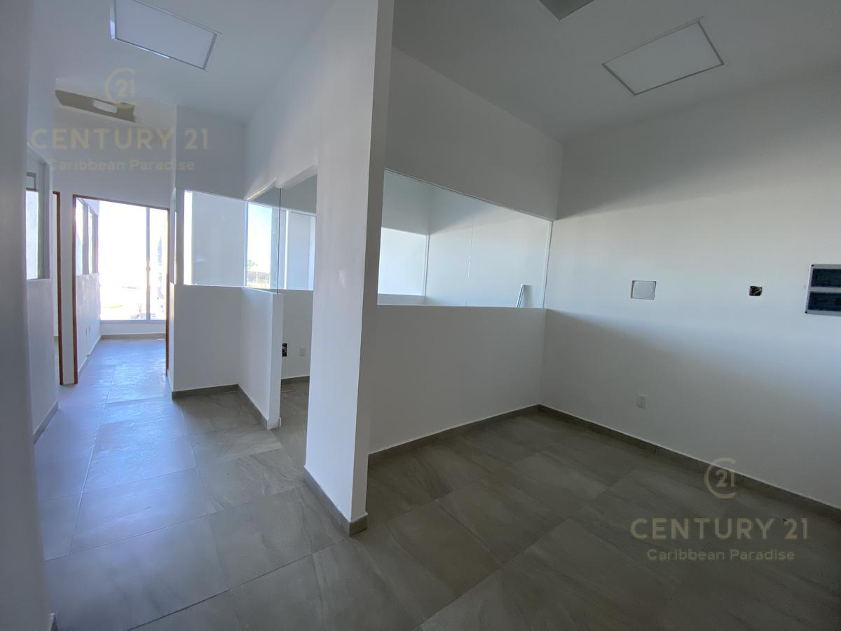 Supermanzana 301 Office for Sale scene image 8