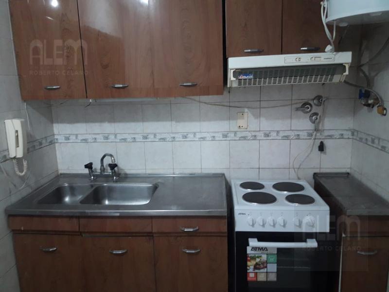 Foto Departamento en Alquiler en  Lomas de Zamora Oeste,  Lomas De Zamora  Alem al 300