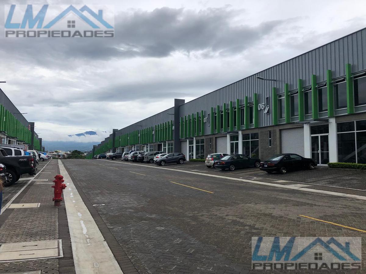 Foto Bodega Industrial en Venta en  San Rafael,  Escazu  Guachipelin, San Rafael, Escazu