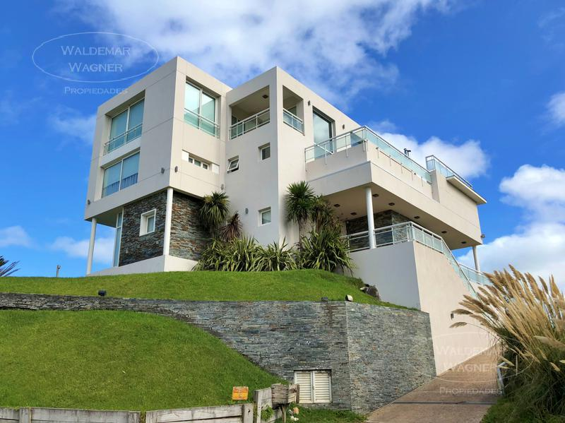 Foto Casa en Venta en  Carilo ,  Costa Atlantica  Nogal 0