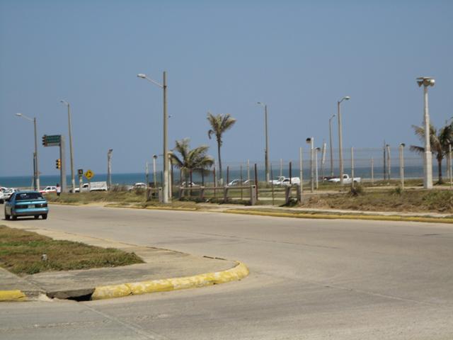Foto Local en Venta en  Fraccionamiento Paraíso Coatzacoalcos,  Coatzacoalcos  AV. LAS PALMAS