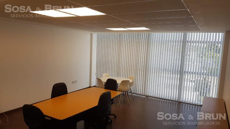Foto Oficina en Venta en  Bajo Palermo,  Cordoba  Oficina vendo Nazaret 3100 u$s40000