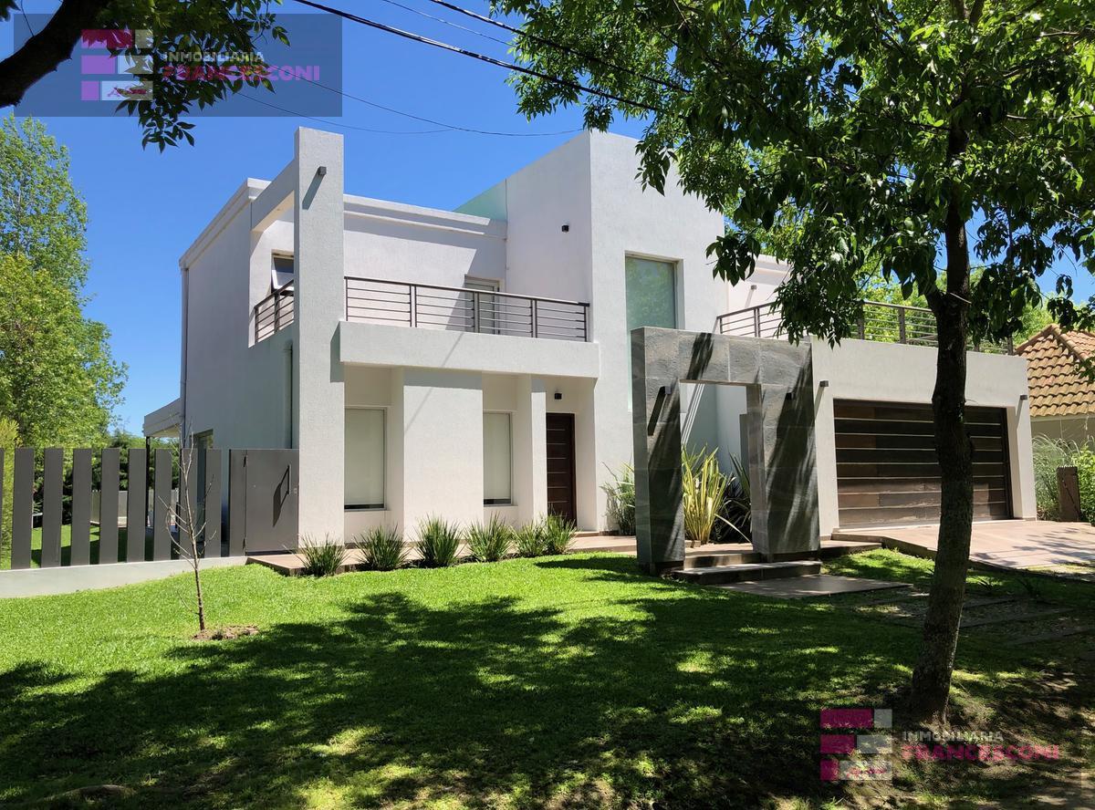 Foto Casa en Venta en  La Plata ,  G.B.A. Zona Sur  459 y 13c barrio privado