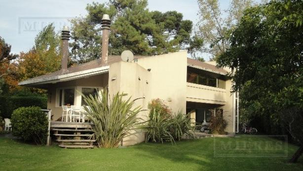 Casa de 450 mts. en Olivos Golf Club