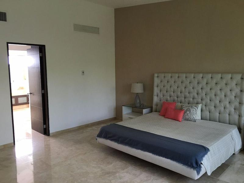 Playa del Carmen House for Sale scene image 4
