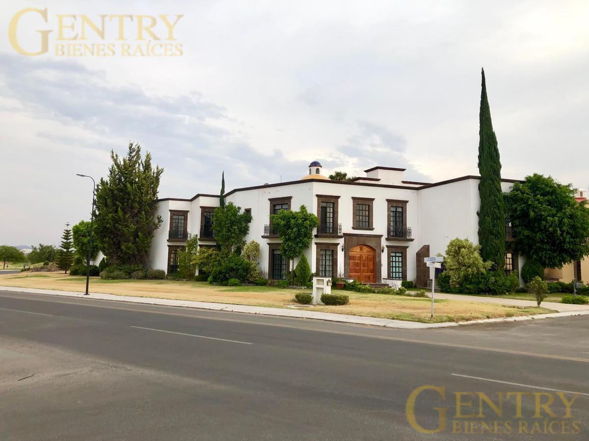 Foto Casa en Renta en  Fraccionamiento El Campanario,  Querétaro  Residencia en Renta el Campanario Estilo Colonial