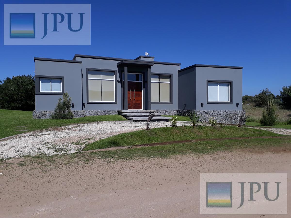 Foto Casa en Alquiler temporario en  Costa Esmeralda,  Punta Medanos          Ecuestre 363
