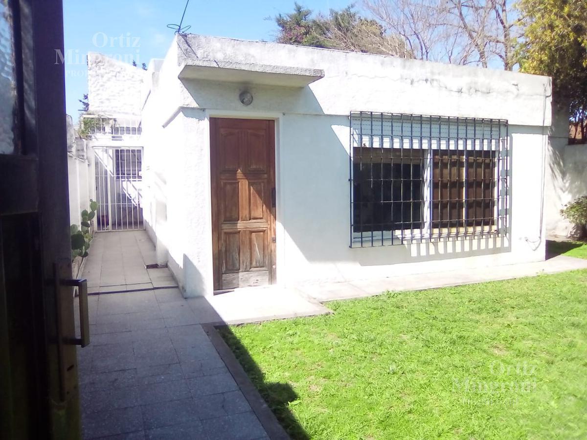 Foto Casa en Venta en  Lomas de Zamora Oeste,  Lomas De Zamora  Posadas 400 - APTO CRÉDITO !!