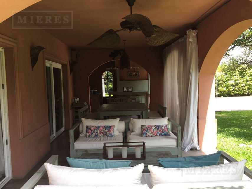 Casa en alquiler en Talar del Lago I