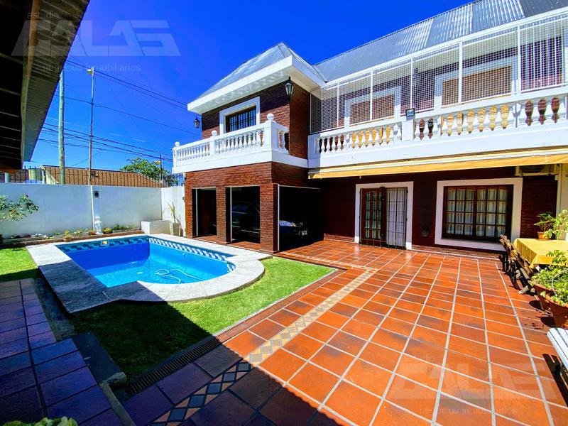 Foto Casa en Venta en  Haedo,  Moron  Balcarce al 100