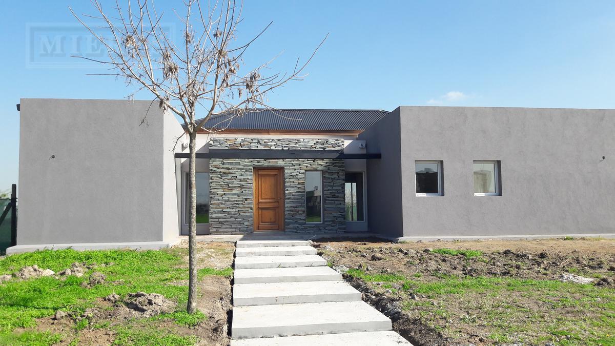 Casa en venta en El Cantón Barrio Puerto