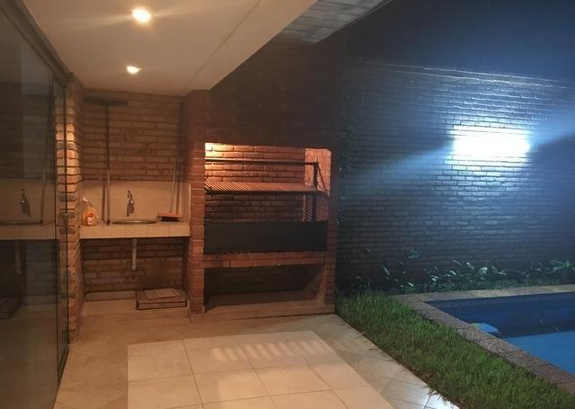 Foto Casa en Venta en  Santa María,  La Recoleta  Vendo duplex con piscina en zona Mcal. Lopez y Madame Lynch