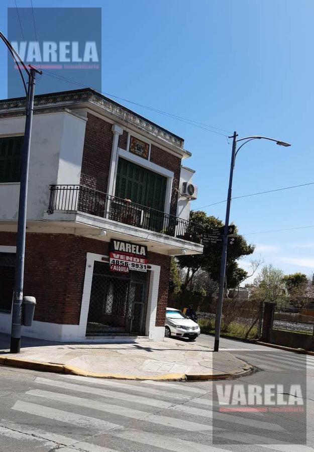 Foto Local en Venta en  Villa Devoto ,  Capital Federal  Av. Salvador María del Carril y Marcos Paz