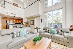 Foto Casa en condominio en Venta en  Broward ,  Florida  1745 E Hallandale Beach Blvd #103 W Hallandale, FL 33009