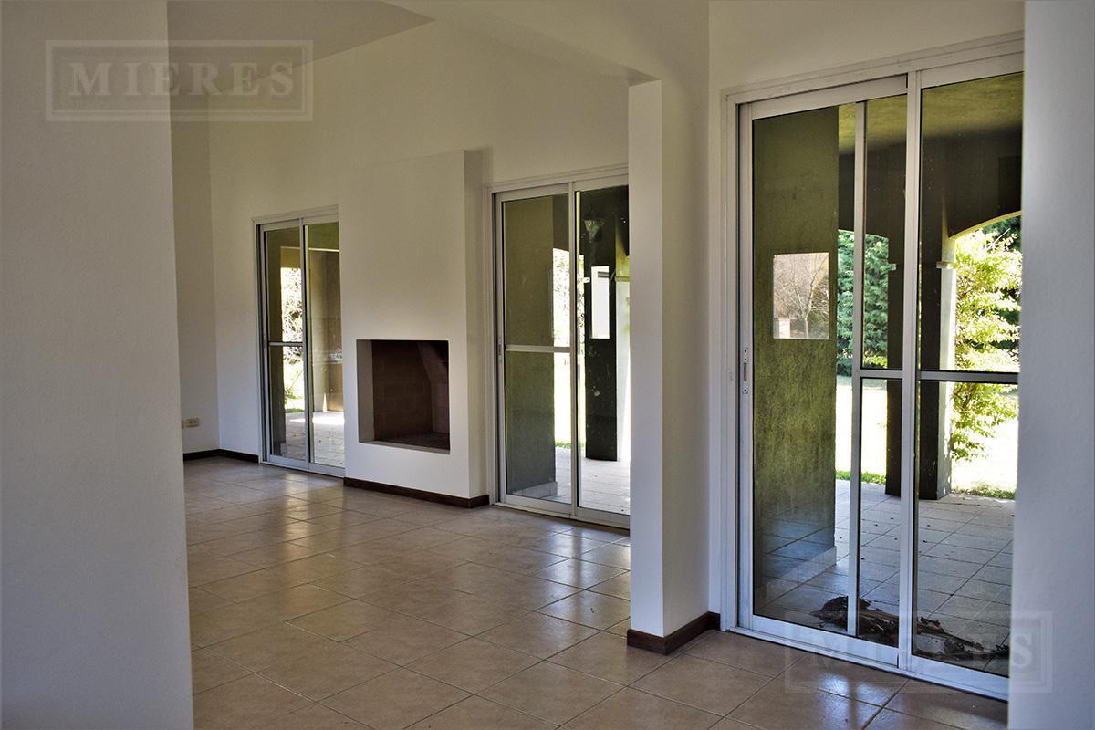Mieres Propiedades - Casa de 165 mts en  Saint Matthews