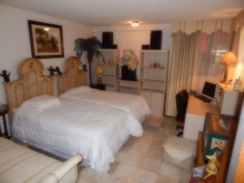 Foto Casa en Venta en  Lomas de las Palmas,  Huixquilucan  Casa en Venta en Lomas de las Palmas de 2 niveles y Jardín