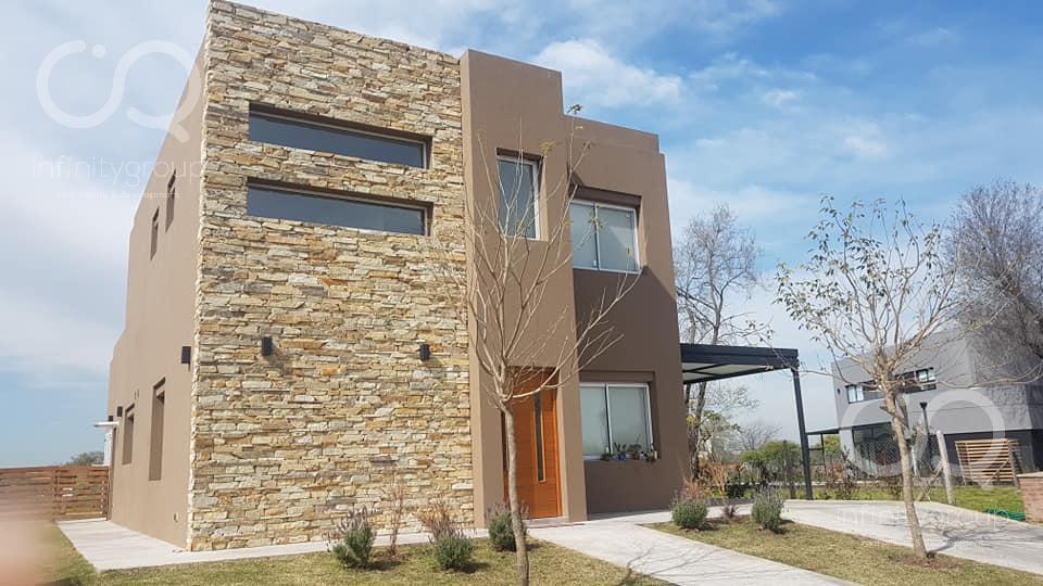 Foto Casa en Venta en  San Ramiro ,  Pilar Del Este  Venta Casa Barrio San Ramiro - Pilar del Este