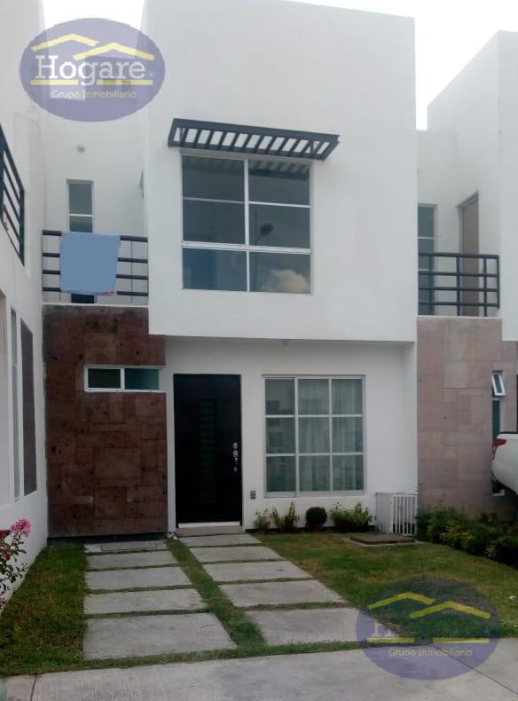 Casa en Venta, dentro de Privada en Loreto Residencial, al Sur de León, Gto.