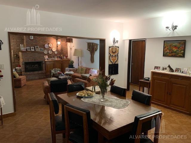 Foto Casa en Venta en  Ituzaingó ,  G.B.A. Zona Oeste  Santos Vega al 700