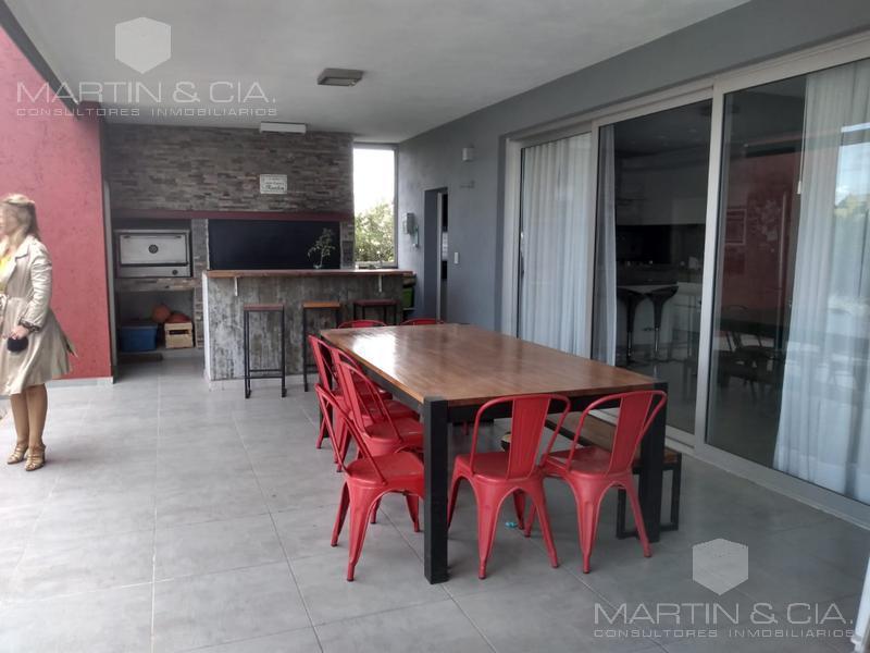 Foto Casa en Venta en  Cañuelas Golf ,  Cordoba Capital  Casa en Cañuelas