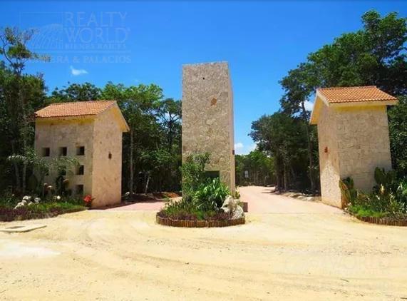 Foto Terreno en Venta en  Tulum ,  Quintana Roo  Jacinto Pat No. 1 entre Chemuyil y Okot Tulum Centro